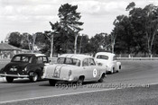 62115 - Des West, Holden FX & Norm Beechey Holden FX & Bruce McPhee Holden FE - Sandown 1962 - Photographer Peter D'Abbs