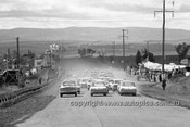 640001 - The Start of the Armstrong 500 Bathurst 1964 - Photographer Bruce Wells
