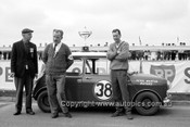 63024 -  Peter Manton, Morris Cooper - Flockhart Memorial Trophy Sandown 1963 - Photographer Peter D'Abbs