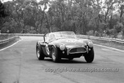 65482 - Ron Thorp, AC Cobra V8 - Warwick Farm 1965 - Photographer  Bruce Wells