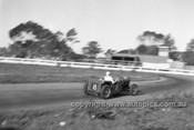 52509 - George Pearse, MG S/C - Parramatta Park 9th June 1952 - Photographer John Ryan