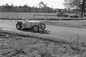 52512 - Les Wheeler, MG - Parramatta Park 9th June 1952 - Photographer John Ryan