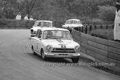 64111 - Bob Jane, Cortina - Catalina Park Katoomba 1964 - Photographer Bruce Wells