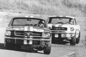 66090 - Norm Beechey & Ian (Pete) Geoghegan, Mustang - Catalina Park Katoomba 1966