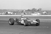 68606 -  Max Stewart, Rennmax - Calder 1968 - Photographer Peter D'Abbs