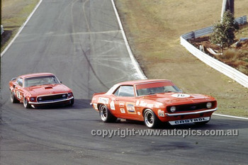 72304a Bob Jane Camaro Amp Allan Moffat Trans Am Mustang