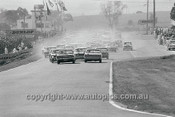 68775  -  1968 -  First Lap of the Hardie Ferodo 500 Bathurst