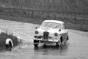64124 - Arthur Corby, Wolseley - Hume Weir 20th September 1964 - Photographer Bruce Wells