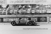 68493 - Frank Matich / Glyn Scott, Matich SR3 - 1968 Surfers Paradise 6 hour