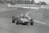 69222 - Lon Davison, Brabham Cosworth - 4th May 1969  Sandown  - Photographer Peter D'Abbs