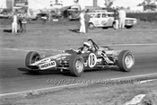 71326 - Allan Moffat in David Green's Wren Formula Ford - Calder 15th August 1971 - Photographer Peter D'Abbs
