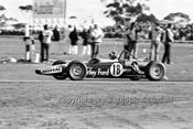 71327 - Allan Moffat in David Green's Wren Formula Ford - Calder 15th August 1971 - Photographer Peter D'Abbs