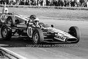 71328 - Allan Moffat in David Green's Wren Formula Ford - Calder 15th August 1971 - Photographer Peter D'Abbs