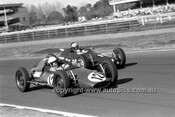 70985 - Jim Evans, Mako Vee & Stewart Anderson, Mako Vee  -  Warwick Farm 12th July 1970 - Photographer Lance J Ruting