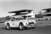 701024 - Malcolm Weir, Triumph TR5 PI -  Warwick Farm 12th July 1970 - Photographer Lance J Ruting