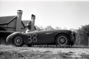 60028 - R. Jamieson, Austin Healey - Hepburn Springs 1960 - Photographer Peter D'Abbs