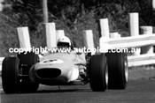 Frank Gardner  -  Brabham Alfa V8  Sandown  1968
