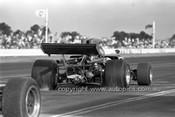 72669 - Bob Muir Lola T300 - Calder 1972 - Photographer Peter D'Abbs