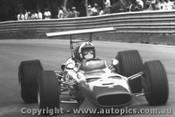 Chris Amon - Ferrari Dino V6  -  Tasman Series 1969 - Warwick Farm