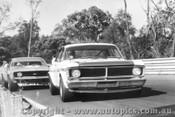71001  -  Geoghegan / Jane  -  Falcon & Camaro - Warwick Farm 1971