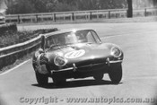64401  -  Niel Allen  -  Jaguar E Type - Warwick Farm 1964 - Photographer Lance Ruting