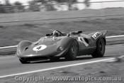 68402  -  Chris Amon  -  P4 Ferrari V12  Sandown  1968
