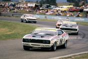 77081 - Colin Bond & Allan Moffat, Falcon - Surfers Paradise 1977