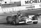 70610  -  Niel Allen    Bathurst 1970 McLaren M10B - Photographer David Blanch