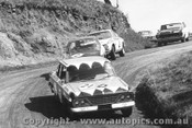 68710 - Weldon / Hall - Studebaker ahead of Gardner / French and Foley / Stewarts - Alfa Romeo 1750 GTV - Bathurst 1967
