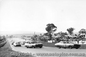 73714 - The Start - Bathurst 1973 Goss / Bartlett leads French / Skelton  Ford Falcon GT