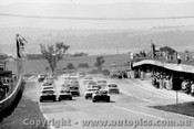 73713 - The Start - Bathurst 1973  Falcons get the jump on the Torana XU1s