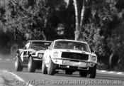 68032 - Niel Allen Ford Mustang Norm Beechey Chev Camaro Warwick Farm 1968 - Photographer David Blanch