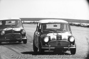 65708 - Hopkirk / Makinen ahead of Foley / Manton Morris Cooper S Bathurst 1965