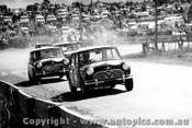 65710 - Foley / Manton Morris Cooper S 3rd Outright ahead of a gaggle of minis Bathurst 1965