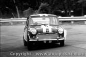 65018 - Peter Manton Morris Cooper S Warwick Farm 1965