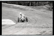 Rob Roy HillClimb 10th August 1958 - Photographer Peter D'Abbs - Code RR1658-115