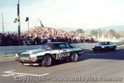 85725  - Hahne / Goss and Walkinshaw / Percy  -  Bathurst 1985 - Jaguar XJS