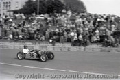 Geelong Sprints 24th August 1958 - Photographer Peter D'Abbs - Code G24858-25