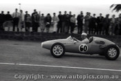 Geelong Sprints 24th August 1958 - Photographer Peter D'Abbs - Code G24858-42