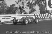 62502 - Bruce McLaren Cooper  - Sandown 1962