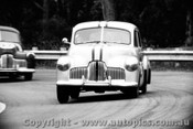 65026 - Ken Lindsay - FX Holden Warwick Farm 1965 - Photographer Lance Ruting