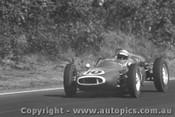 62503 - Bruce McLaren Cooper  - Sandown 1962