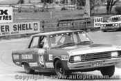 70720 - J. Butta / R. Genders -  Bathurst 1970 -  Chrysler Valiant Pacer 4 Barrel