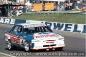 86724 - McLeod / Clark Bathurst 1986 - Holden Commodore VK