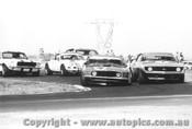 71046 - First Lap Calder 1971 - Moffat /Jane Camaro /  Beechey Monaro / Geoghegan Mustang / McKeown Porsche.