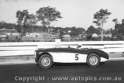 62402 - D Fletcher Austin Healey 100S - Sandown 1962