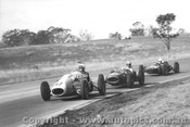 66528 - D. James Citroen Special / P. Mohr Nota Major / B. Young Cee Bee Formula Vee - Oran Park 1966