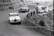 Bob Jane, 3.8 Jaguar - Catalina Park Katoomba - 8th November 1964 - Code 64-C81164- 4