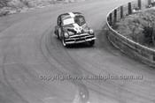 J. Hall, FJ Holden - Catalina Park Katoomba - 8th November 1964 - Code 64-C81164- 9