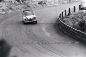 Laurie Stewart, Morris 850 - Catalina Park Katoomba - 8th November 1964 - Code 64-C81164- 47